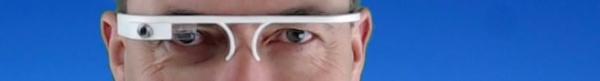 Hannes Schleeh mit Google Glass aus dem 3D Drucker