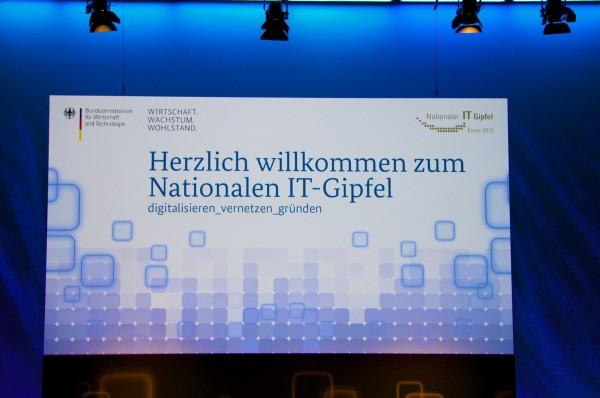 Selbstbeweihräucherung der Industrie und Politik auf dem nationalen IT-Gipfel Foto: Schleeh