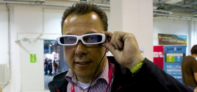 Intel bringt Datenbrille die aussieht wie eine normale Brille