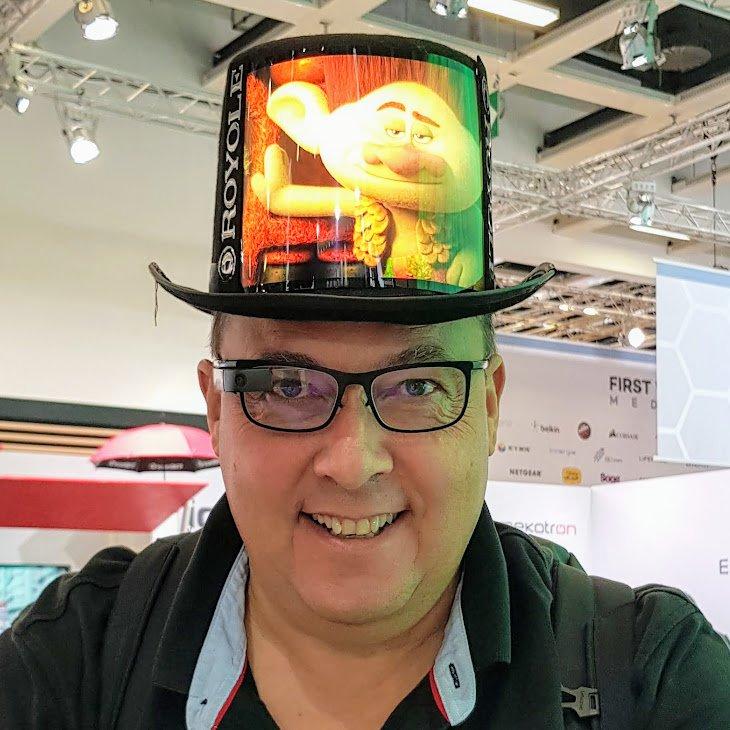 #IFA2018 – Faltbare Displays – Smarte Beifahrer und Papierersatz