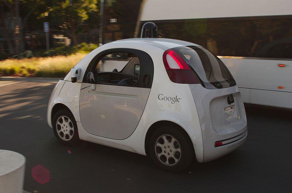 Mensch und Maschine Interaktion – Wie selbstfahrende Autos mit uns kommunizieren